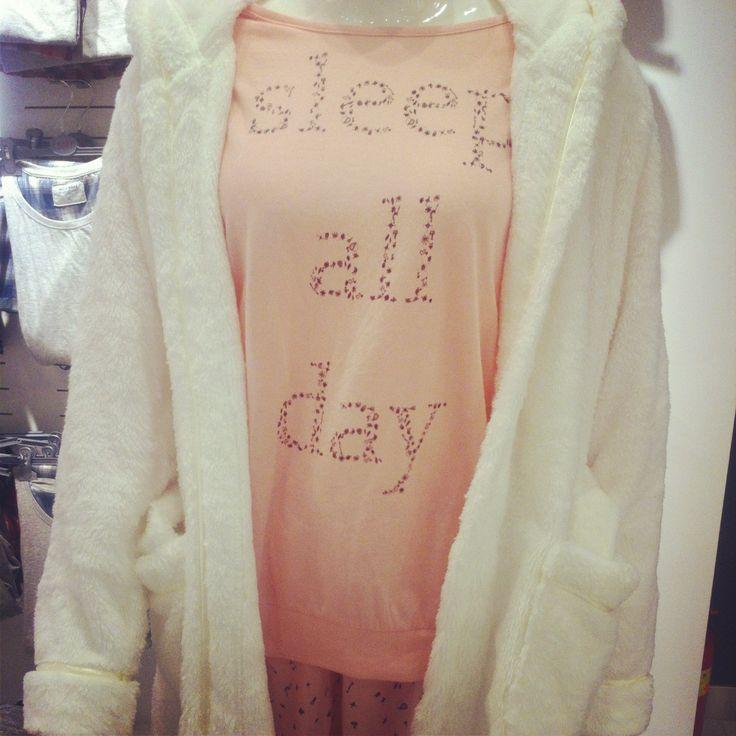 #carry#night#sleep all day