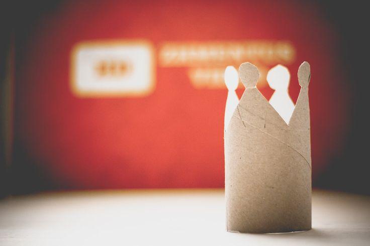 Как сделать корону: поделки из туалетной бумаги