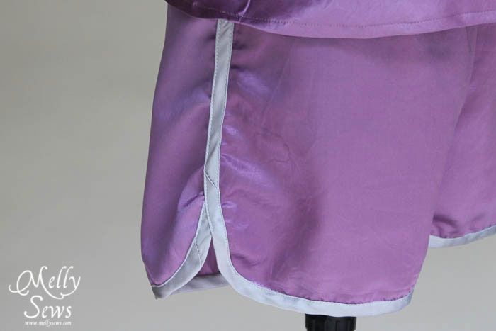 Free pattern for these silk pajama shorts by Melly Sews