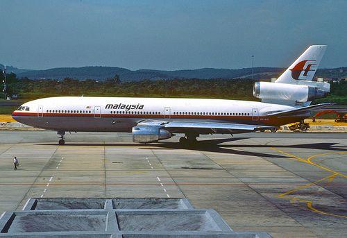 Malaysia Airlines DC-10-30; 9M-MAV, KUL, December 1988