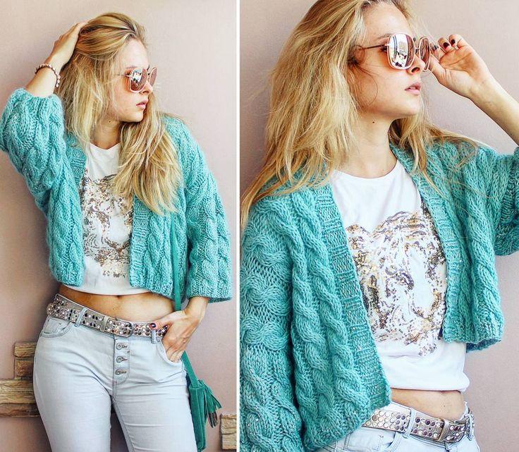 Разные детали - разное настроение с футболкой, джинсами и кедами - ярко, молодежно, или же с легким топом и брючками - романтично и женственно #fashionknit #loveyarn #loveknit #knitforsale #i_loveknitting #iloveknitting #knitforsaleminsk #skein #вяжутнетолькобабушки #вяжуназаказминск #вяжуназаказ #вяжуипродаю #vscominsk #vscobelarus #vscocam #vscogood #vsco_hub #vscogrid #topvsco #vscolover #yarnporn #bestofvsco #vscoeurope #vscoer #instabelarus #belinsta #instaknit #knitstagram #knitte...