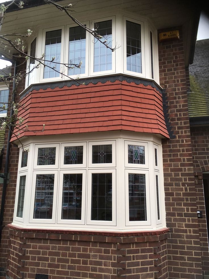#ResidenceCollection R7 windows in cream foil, stained glass, square leading and antique black monkey tail window handles. Installed in West Bridgford, Nottingham. For a free quotation call us on 01158 660066 visit http://www.thenottinghamwindowcompany.co.uk or pop into our West Bridgford showroom. #upvc #Residence #ideas #home #cream #R7 #West #Bridgford #Nottingham