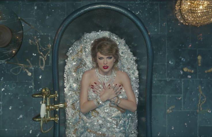 Taylor Swift se burló del robo en París de Kim Kardashian en su nuevo video?