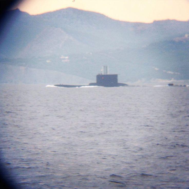 Сегодня рядом с нами всплыла подводная лодка  #yachting #круиз ⚓️ #Lovemile ⛵️#отдых #путешествие #amazing #picoftheday #photooftheday #sea www.lovemile.ru