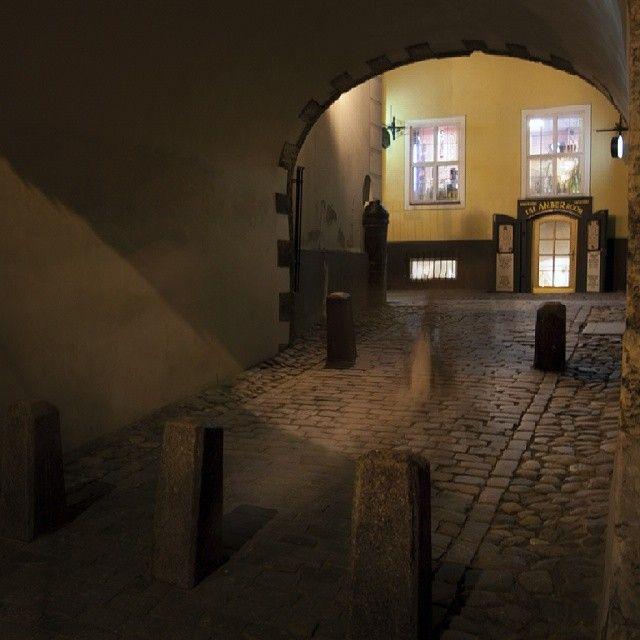 #old #oldtown #city #Riga #wall #street #night #mystery #старый #город #Рига #арка #улица #брусчатка #проход #ночь #загадка #мистика