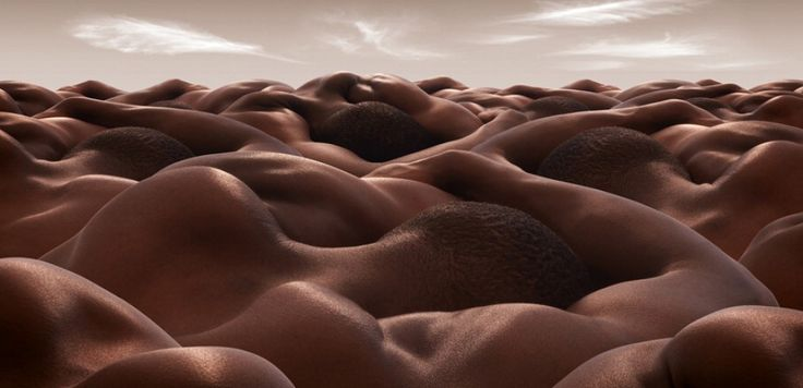 Carl Werner ha donato al corpo umano una nuova dimensione. I suoi modelli si trasformano in vallate, colline, deserti, dune e montagne. Il fotografo di Liverpool incastra i suoi soggetti facendo in modo che le curve naturali dei loro corpi diventino lo sfondo in cui lo sguardo dell'osservatore possa