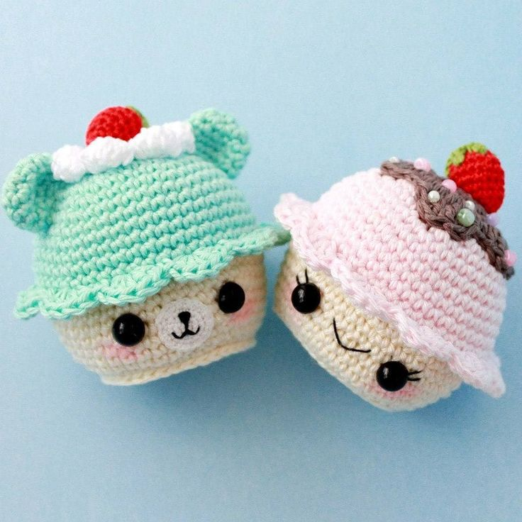 Больше кексов и мишек  #weamiguru #amigurumidoll #amigurumi #kawaiifood #crochetdoll #virka #cupcake #амигуруми #вяжутнетолькобабушки by amyliefreeman
