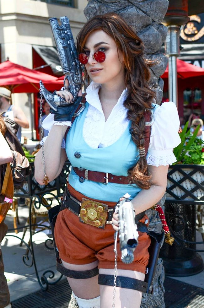 Cosplay Hot Steampunk Girls   More pictures of Meagan Marie's steampunk Lara Croft cosplay here .