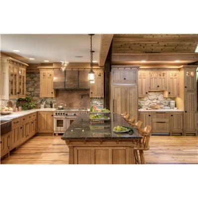 Nice big kitchen/gathering area :)