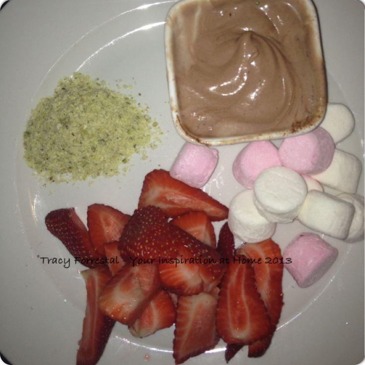 Quick night-time treat.  #yiah #chocolatepowder #sweetdukkah #fiveminutes