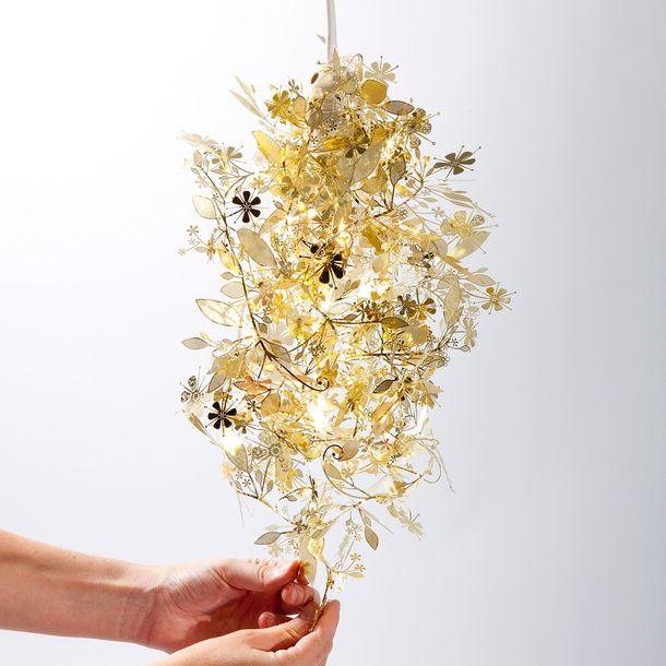 Garland Light Brass by Artecnica, ny vare i den nye designbutik, Tinga Tango i Nyborg, du kan selv designe/forme lampen