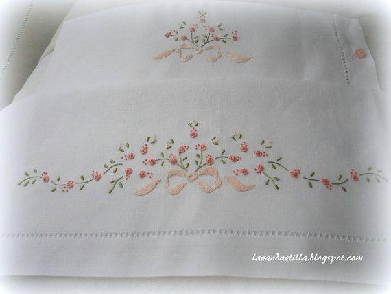 disegni e schemi per lenzuolino sacca e bavaglino di Lavandaelilla