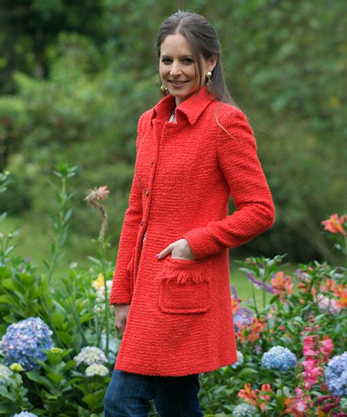 Elena Urrutia #felicidad #mujer #rojo #flores #rosas #naturaleza #pasion #abrigo #invierno