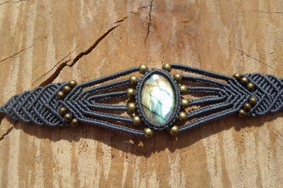handmade macrame gemstone bracelet with labradorite cabochon and adjustable length