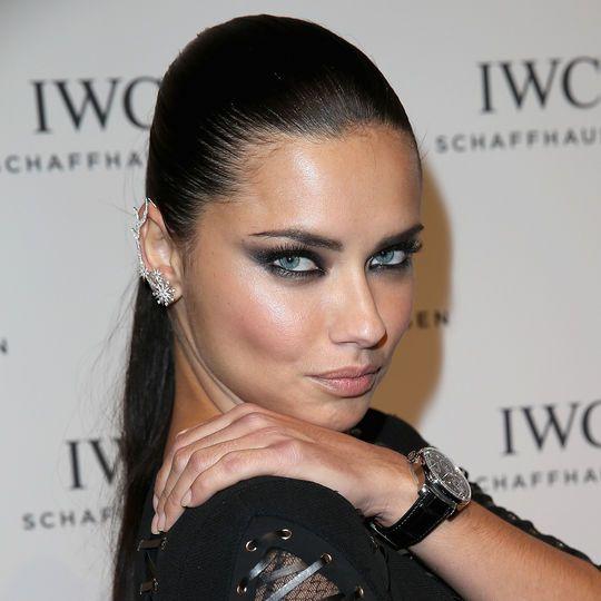 The secret to Adriana Lima's super-intense smoky eye makeup