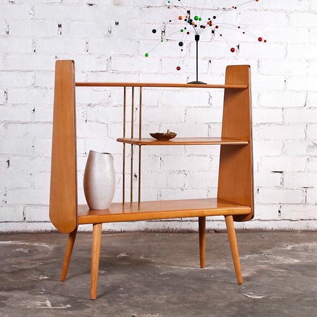 Just a nice little shelf made in Germany in the 1950's. Designer unknown. Photo: pamono #mcmdaily #designerunknown #germany mcmdaily.com