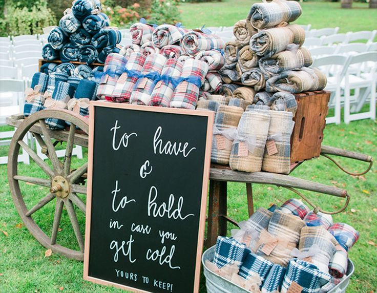 Where to Buy Wedding Blankets for Guests in Bulk