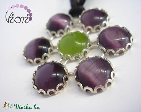 Padlizsánlila üveg virág medál szalagon (viori) - Meska.hu