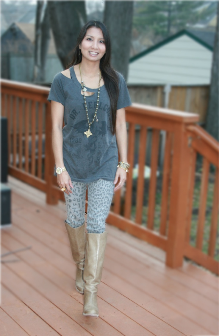 From the PS BANANAS #Minneapolis #fashionblog - #Chaser Dr. Feelgood t-shirt, #CurrentElliott #leopard #skinnyjeans, #DolceVita Quince Boots