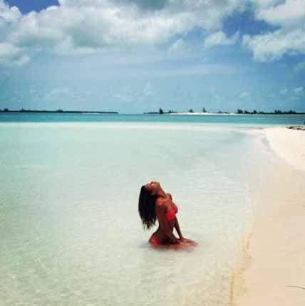 #FedericaNargi, una sirena a Cuba col fidanzato Alessandro Matri   Gossip Costume #goldenpoint #SiSi ->> http://shop.goldenpoint.com/it/IT/it/Reggiseni-coordinabili-SiSi-Reggiseno-Chat-M270-ROSSO-I_SSGL7228.aspx