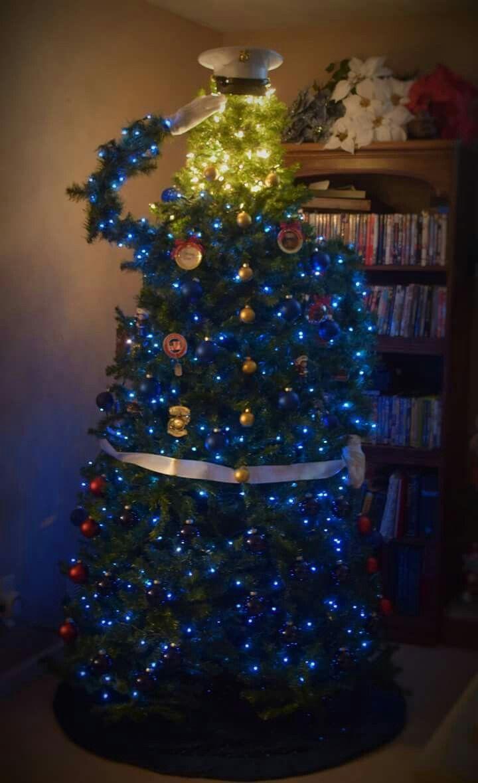 Batman christmas tree ornaments - Kristi Tucker Decorated Her Christmas Tree In Honor Of Her Marine Son