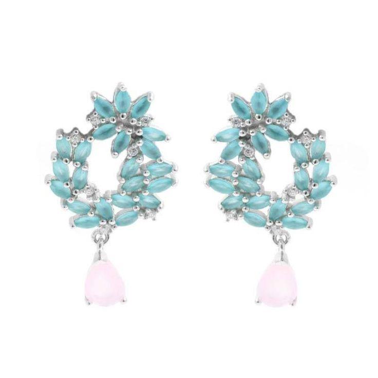 Pendiente Olvido Gota. Pendiente en plata de ley con forma de corona de hoja de olivo con piedras en azulado y una piedra en forma de gota en rosa palo.