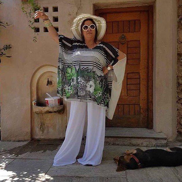 "#backstage 📷 • Η Ελισάβετ Κωνσταντινίδου με #matfashion total look στα γυρίσματα της ταινίας ""Ο θησαυρός του μακαρίτη"" [κωδικοί: μπλούζα / 671.1397 & παντελόνα / 671.2078]  ___________________________________________________________ Repost @elisavet_konstantinidou_  Στην τρέλα του θησαυρού!  #elisavetkonstantinidou #styling #tips #ss17 #collection"