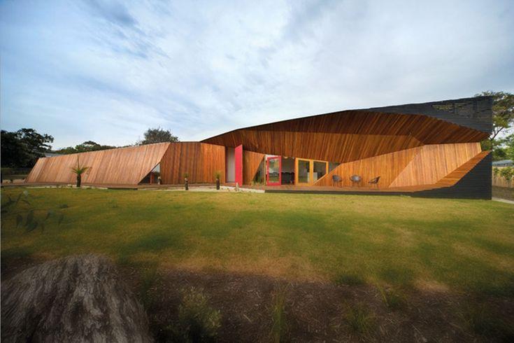 Letter Box House in Melbourne, Australia | Architect: McBride Charles Ryan - http://www.mcbridecharlesryan.com.au