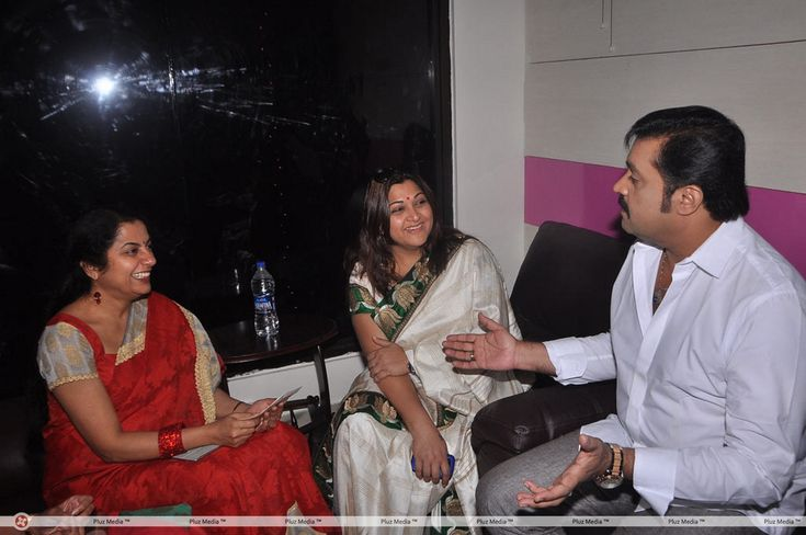 Suresh Gopi with his former heroines: Kushboo and Suhasini rare pictures