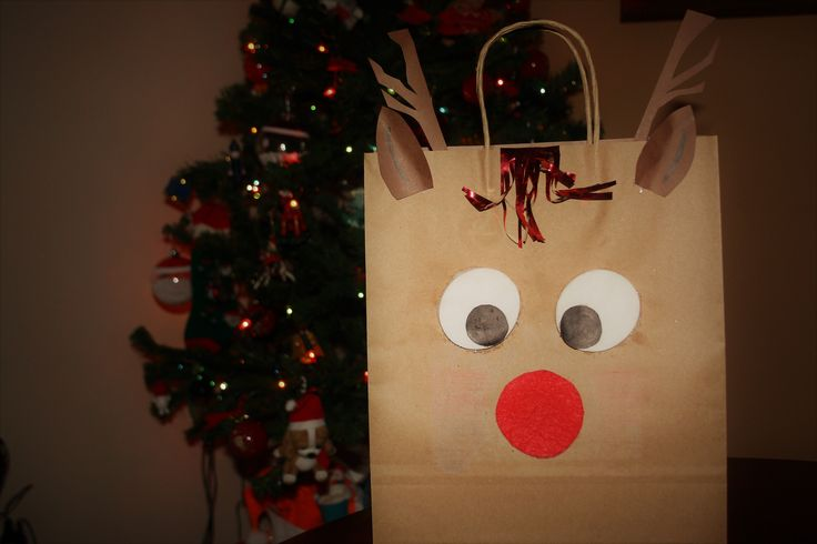 Bolsa de Reno Navideño. Una idea original para envolver los regalos estas navidades. Para saber cómo se hace paso a paso visita mi blog: samicablog.wordpress.com