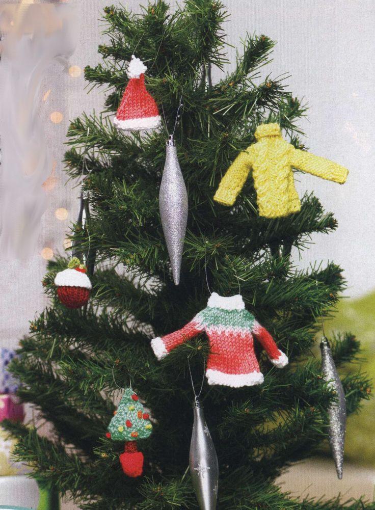 Елочные украшения Treemendous, Let's Knit, с переводом описания вязания с английского языка. Новогодними украшениями для елки смело могут стать маленькие свитера, шапочки, кексы, связанные спицами своими руками. Описание перед вами.
