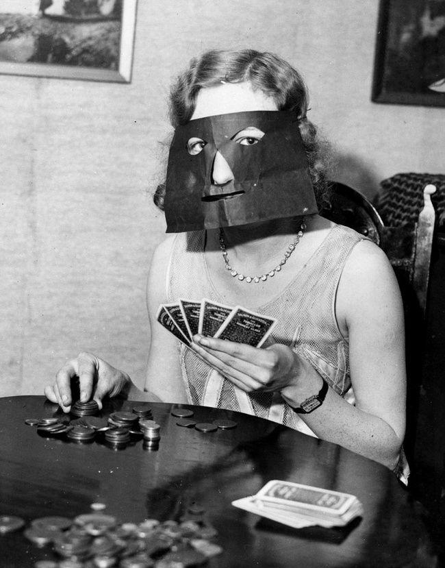 42 produits insolites vintage 42 produits insolites vintage masque a poker face