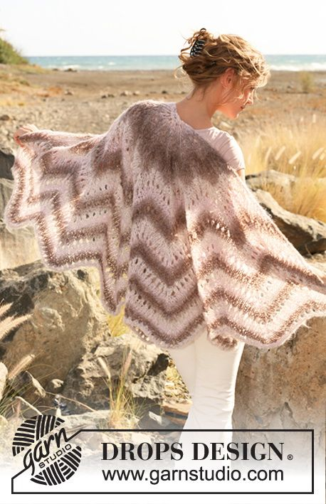 "Scheherazade - Knitted DROPS shawl with lace and zigzag pattern in ""Verdi"". - Free pattern by DROPS Design"