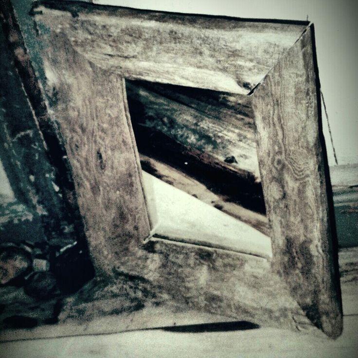 Ram av drivved . Spegel .