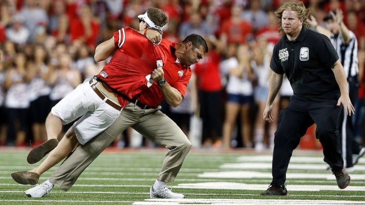 Watch Ohio State Football Coach Body Slam Fan - ABC News