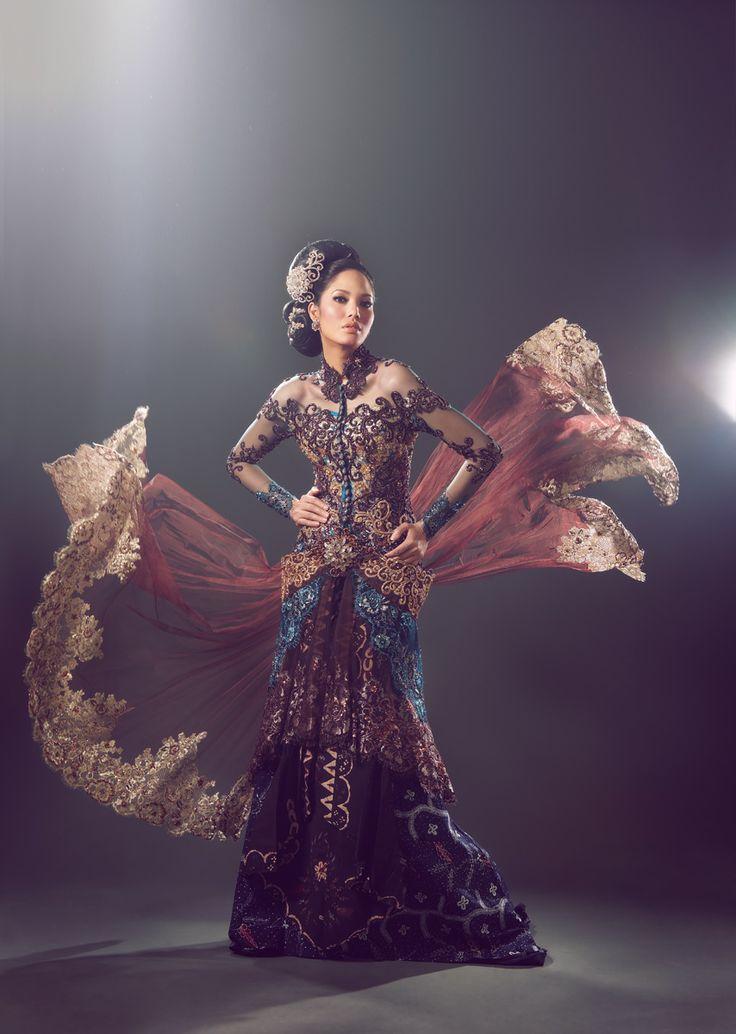 Fashion spread - Kebaya shoot (Perkawinan Magz March 2011)