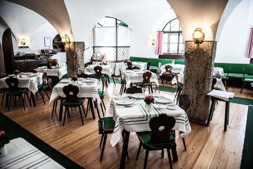 Restaurant. Hotel Goldener Hirsch in Salzburg. Hoteltipp für Salzburg. City Salzburg, Trip Austria, Hotel Austria. Culinary Trip Salzburg. Traditional austrian Hotel approved by cookingCatrin.