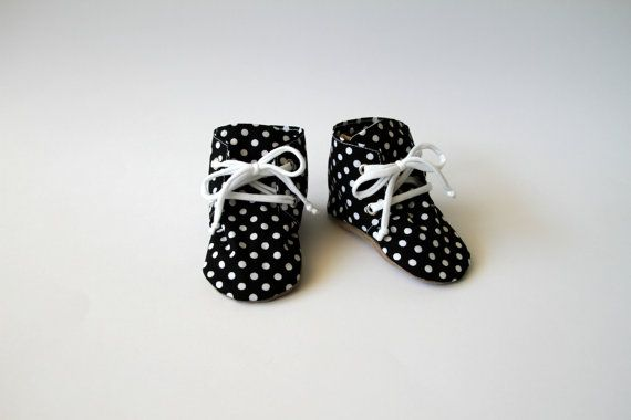 Handmade baby shoes | Baby booties | Hop & Stitch baby high tops | Hop and Stitch | It's the perfect gift for a baby shower or to adorn your little one.