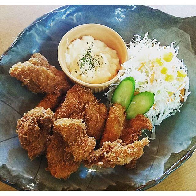 【ponpokonosato】さんのInstagramをピンしています。 《おはようございます♪ 今日はとっても天気がいいですね~(*^^*) みなさん、お昼はぽんぽこへいかがですかぁ~♥ さて、今日の日替わりは ☆チキンカツ(タルタルソースつき) ☆味噌汁 ☆フルーツポンチ  です♥  #ぽんぽこの里#ぽんぽこ焼き#野菜#道の駅#うどん#食堂#定食#角島#ケーキ#コーヒー#珈琲#カフェ#cafe#coffee#公園#森#山口県#山口#美祢市#美祢#秋吉台#日替わり定食#チキンカツ》