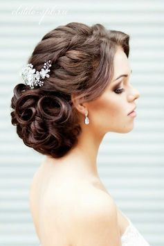 Wedding hair. Brunette with crystal accessories