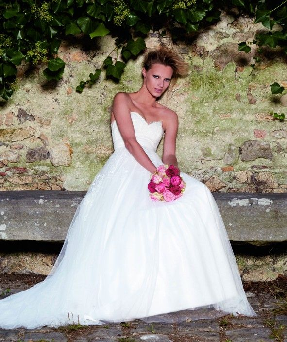 1000+ Bilder zu Brautkleid A Linie auf Pinterest  Hochzeitskleider ...