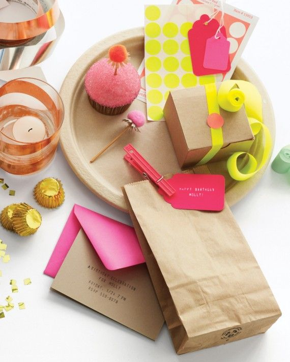 It's a perfect pairing. When eye-catching fluorescents are teamed with warm earth tones, both look their best. Plain brown bags and plates never looked so stylish. The best part? You can find plates and bags in the supermarket and stickers and tags in an office-supply store.
