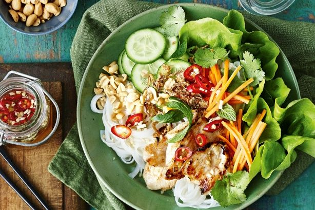 Spice up your evening with this low-fat Vietnamese-inspired bowl.