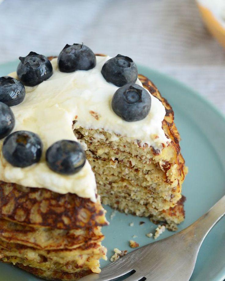 11. Grain-Free Applesauce Pancakes #paleo #breakfast #recipes http://greatist.com/eat/paleo-breakfast-recipes