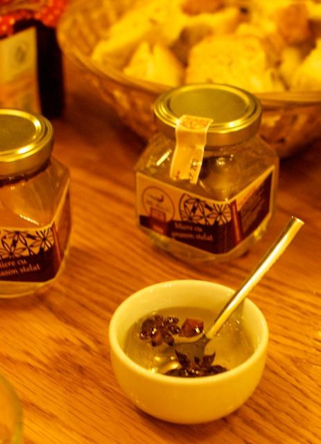 Mierea cu anason stelat de la Sanatate Dulce e nu numai delicioasă, dar arată absolut magic!