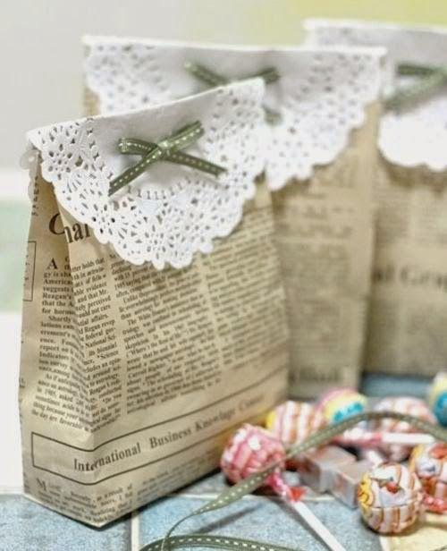Embalagens de presente feitas com jornal