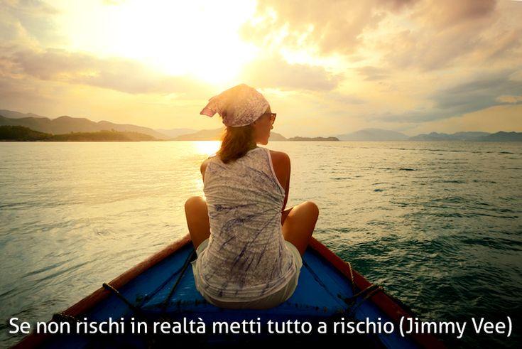 Quali sono le reali motivazioni che ci spingono a lasciare l'Italia? Analizziamo il bisogno del cambio vita e cerchiamo di essere finalmente felice!