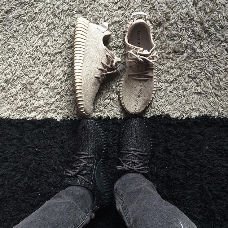 Oxford Tan x Pirate Black || YEEZY Boost 350  This picture is so pleasing to my eye