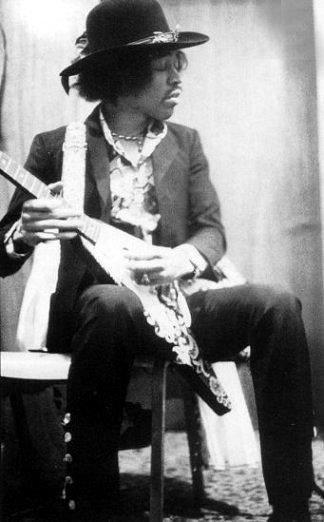 Jimi Hendrix. THE MASTER O' THE STRATOCASTER!!!