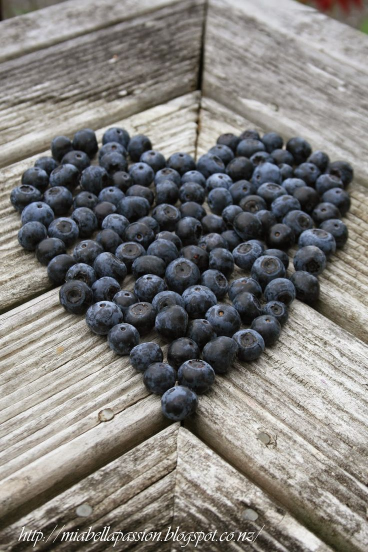 Mia Bella Passions Blog: A blueberry heart
